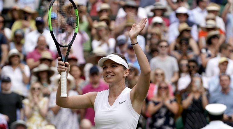 Simona Halep celebrates victory over Elina Svitolina