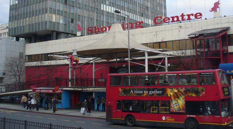 Elephant and Castle traders given extension